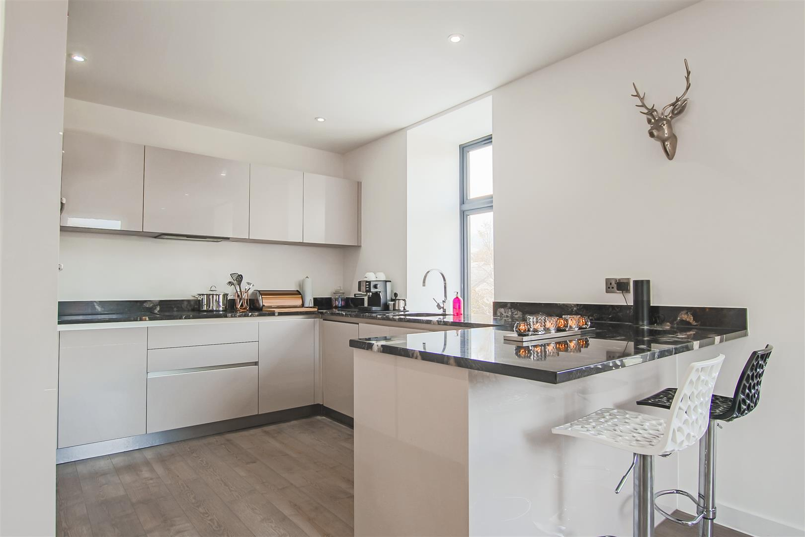 3 Bedroom Duplex Apartment For Sale - Image 27